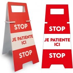 """Panneau de sol """"STOP JE PATIENTE ICI"""" L26,5 x P35 x H56,5 cm"""
