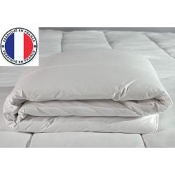 Lot de 5 couettes blanches lavables à 90 polycoton et fibres creuses 400 gr 220 x 240 cm
