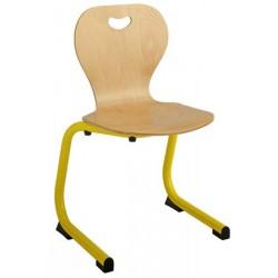 Chaise coque bois appui sur table maternelle T3 à T4